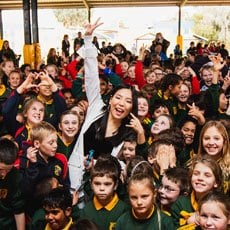Dami Im and Students of Coomealla